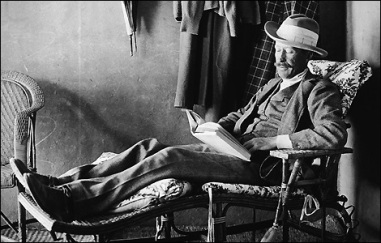 Lord Carnarvon died six weeks after the opening of Tutankhamun's tomb. His death resulted in many curse stories in the media.